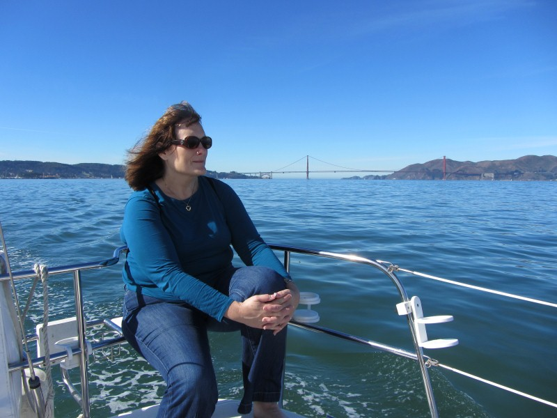 sailing on the frisco bay with the golden gate bridge behind