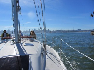 sailing on a san fransisco morning